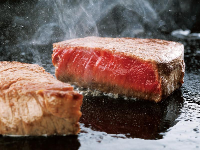 肉の美味しさを堪能!やわらかステーキ